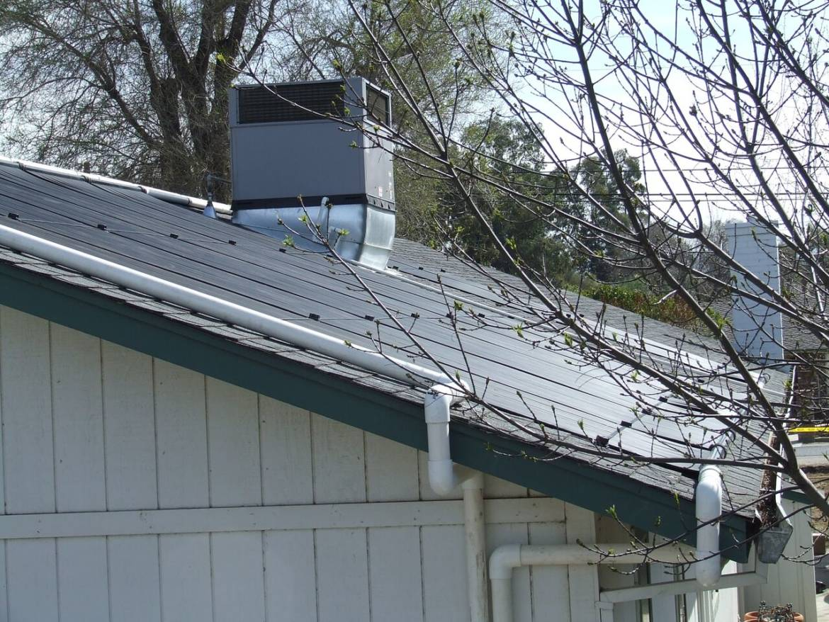 Commercial-Solar-Domestic-Water-Heaters-for-Apartments.jpeg